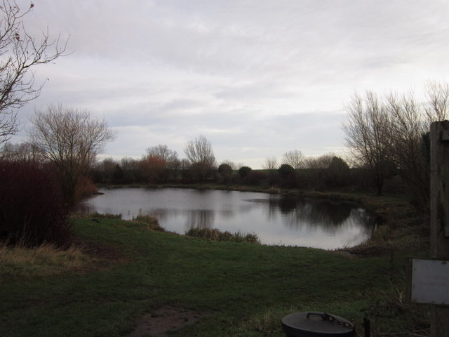 Pastures fish pond near halsham ian s geograph for Ponds to fish in near me