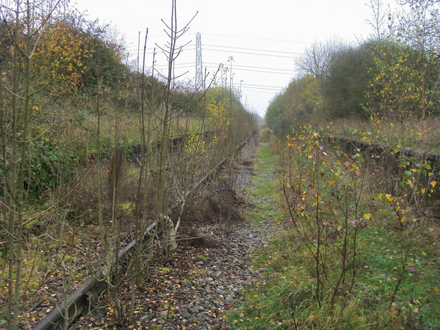 Disused line between the platforms at Verney Junction