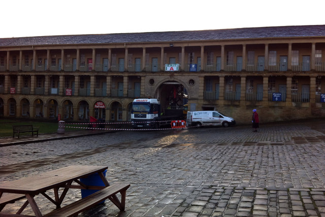 Removal of the Piece Hall gates