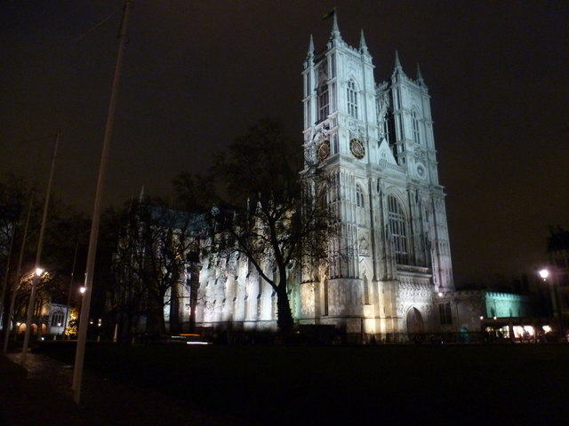 London: Westminster Abbey by night