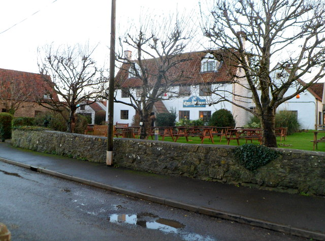 White Hart, Littleton-upon-Severn, viewed from the west