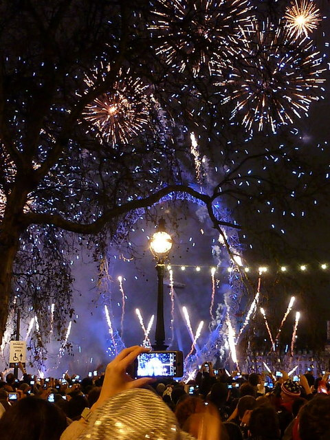 London: New Year fireworks (6)