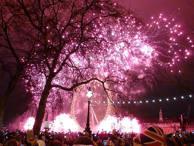 London: New Year fireworks (7)