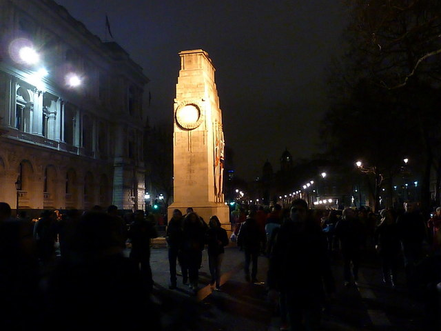 London: the cenotaph by night