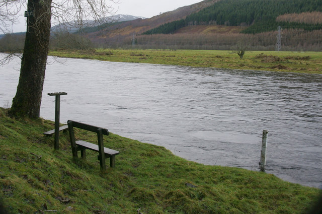 Seat beside the River Glass at Crochail