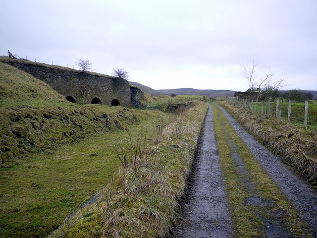 Track near Foresthead Quarry lime kilns