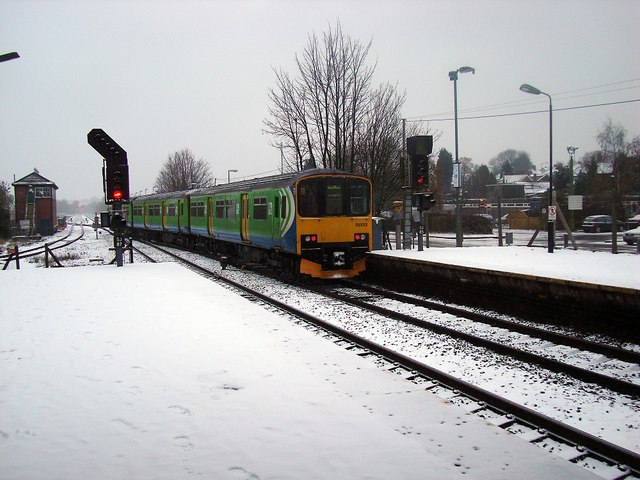 Class 150 Departs From Stourbridge Junction
