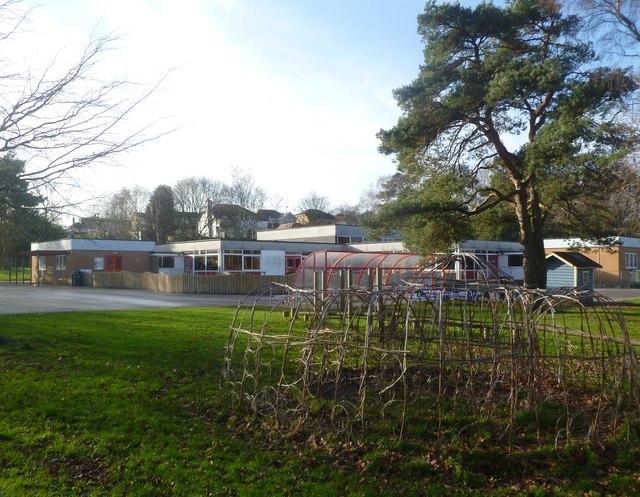 Corfe Mullen, Rushcombe First School