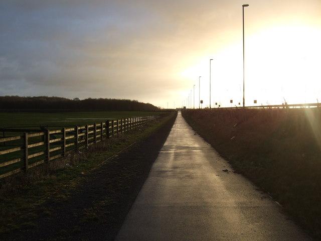 Cycle track beside Pontefract Lane