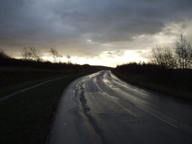 Pontefract Road towards Newsam Green