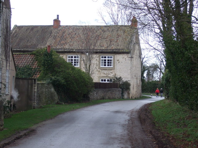 Scarthingwell Lane heading east