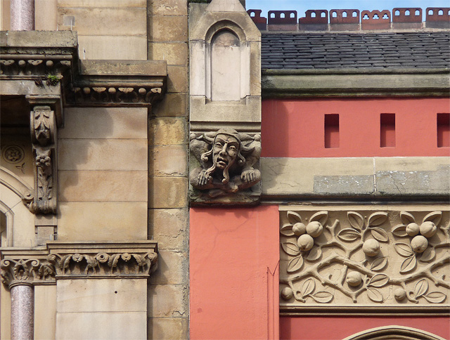 Detail of 77-83 Piccadilly, Manchester (1)