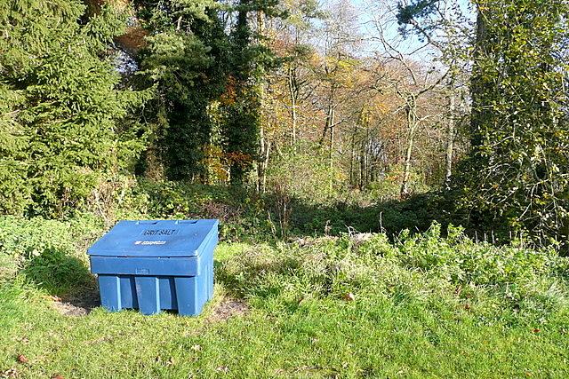 Grit bin at Wolverton Plantation