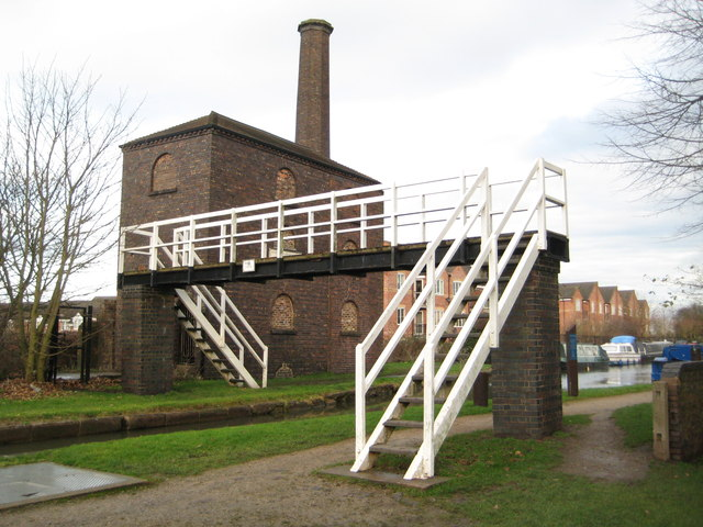 Coventry Canal: Sutton Stop Engine House