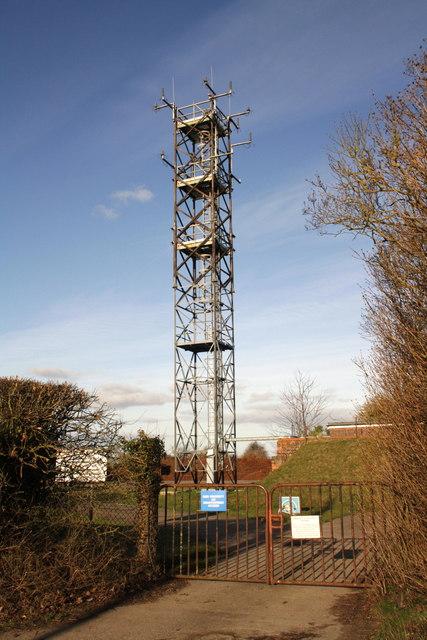 MOD telecomms mast, Beggarsbush Hill