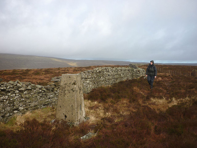 Low Green Field Lings trig point (501m)