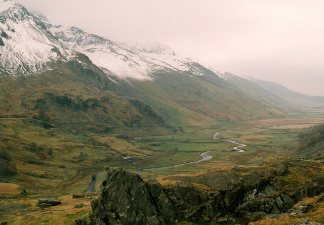 Nant Ffrancon valley from the road