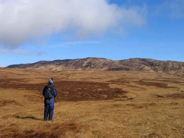 Grassy moorland south of Beinn Tarsuinn