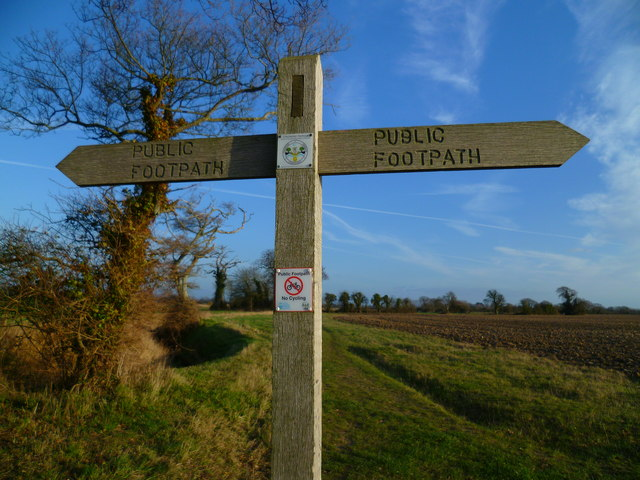 Signpost near Gothic Farm