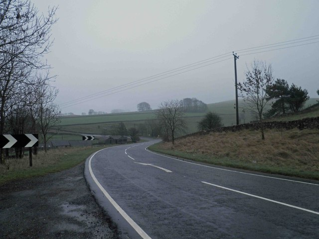 Bend in road (A5270)
