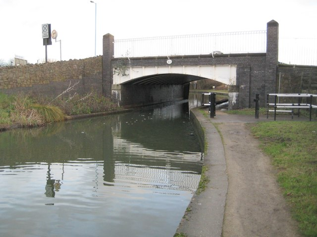 Coventry Canal: Longford Bridge