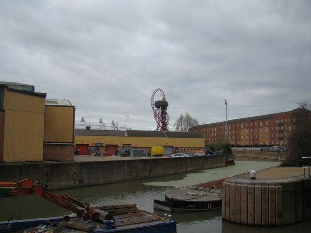 View of the viewing tower from the Lea towpath