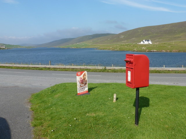 Whiteness: postbox № ZE2 89