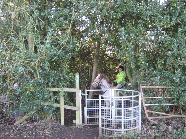 Gated access to bridleway