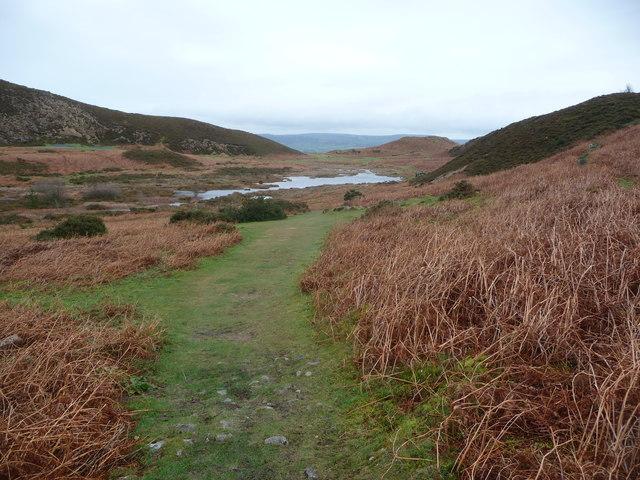 Path approaching Gwerm Engen lake
