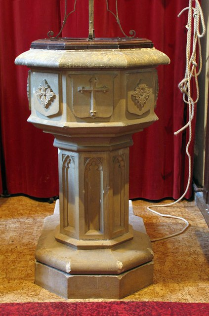 St Mary, Panfield - Font