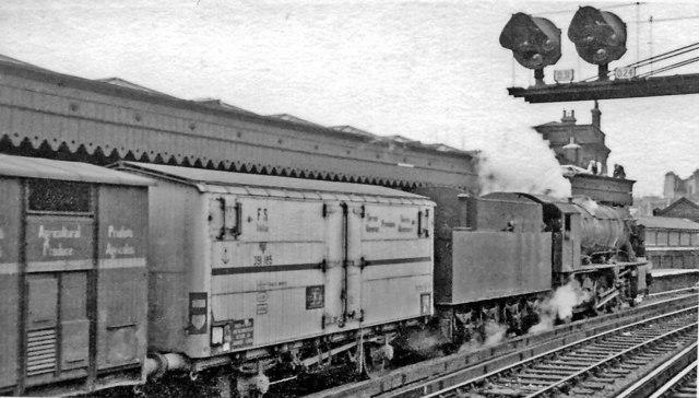 Unusual freight train at London Bridge