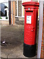 TM1744 : Ruskin Road Edward VII Postbox by Adrian Cable