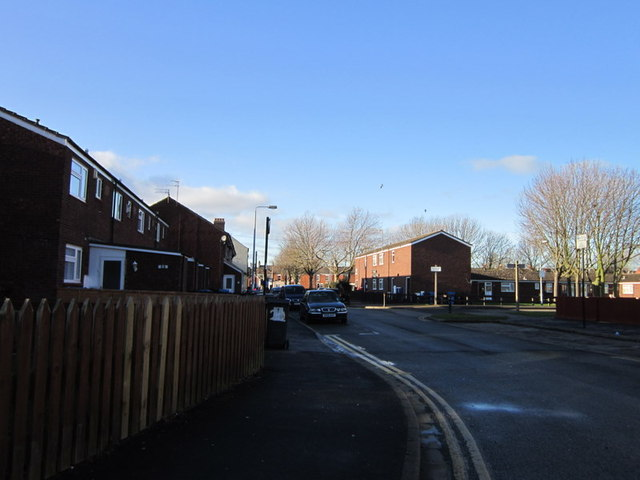 Leonard Street towards Hopwood Close