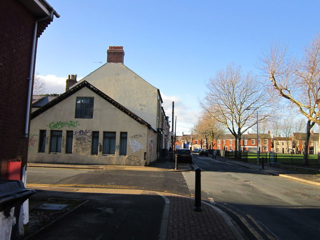 Leonard Street at Morpeth Street