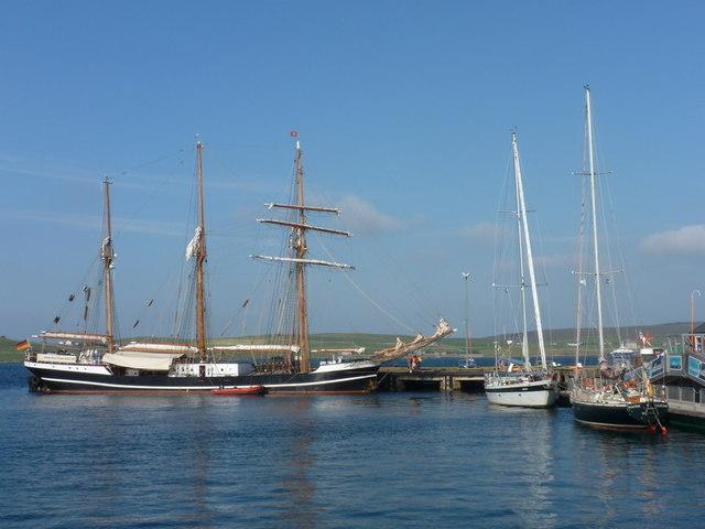 Lerwick: tall ship in Albert Dock