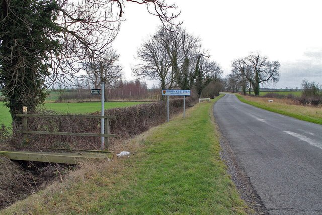 Mareham Road entering South Kesteven