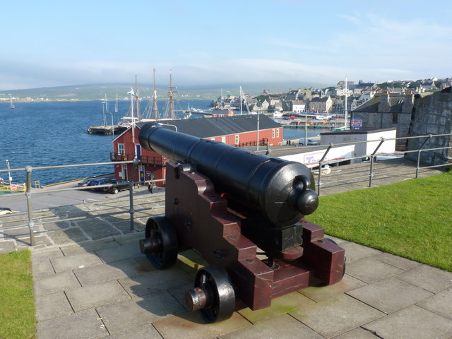 Lerwick: cannon overlooking the harbour