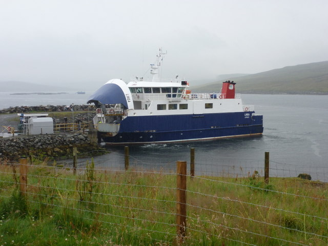 Laxo: the Whalsay ferry arrives
