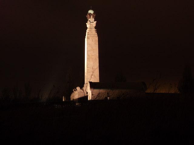 Nightview of the Great Lines War Memorial