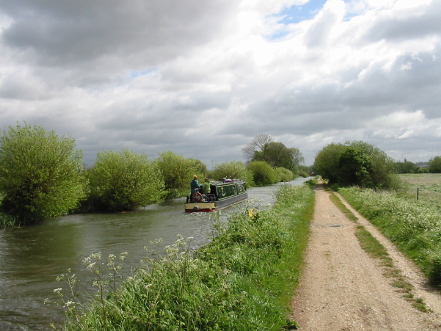 Kennet and Avon Canal between Southcote Lock and Fobney Lock