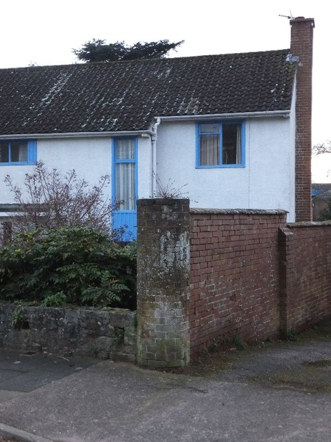 Victorian wall in Matford Avenue