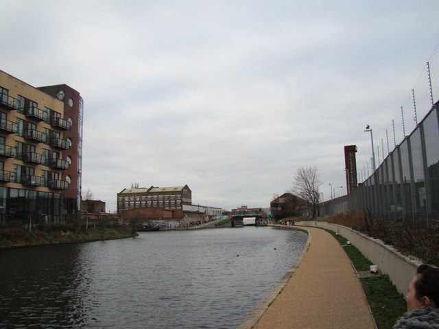 Looking along the Lea Navigation to the White Post Lane bridge