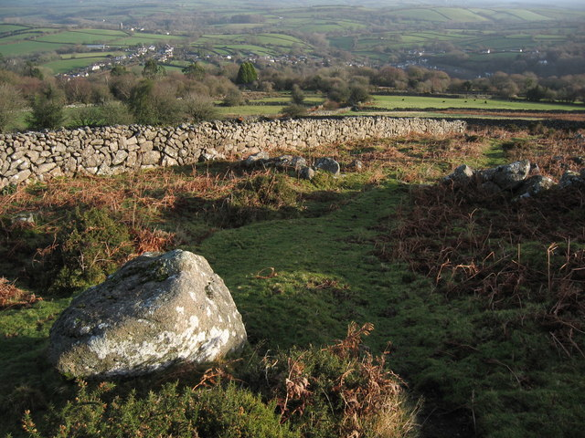 Enclosure wall, edge of the moor