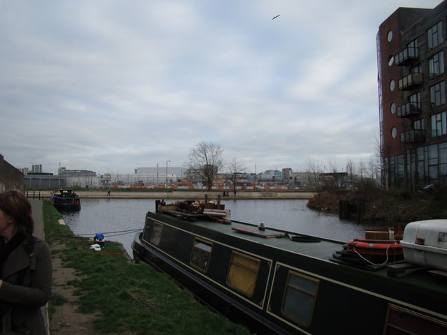 Looking back at the Lea Navigation from the Hertford Union Canal