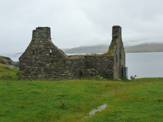 Lunna: ruined croft house by the kirk