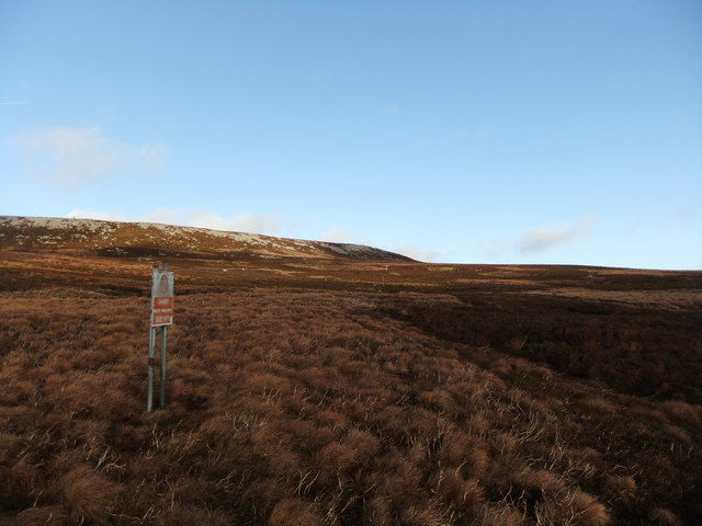 Range sign below High Crag