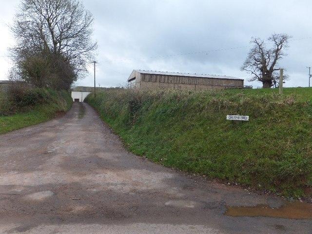 Farm access road to Oburnford Farm
