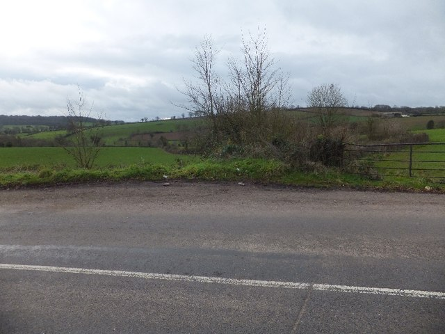Fields at a bend in the road near Oburnford