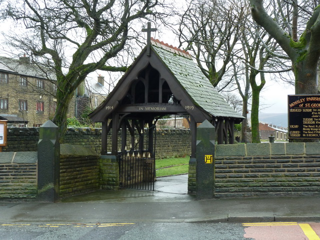 Mossley Parish Church of St George, Lych gate