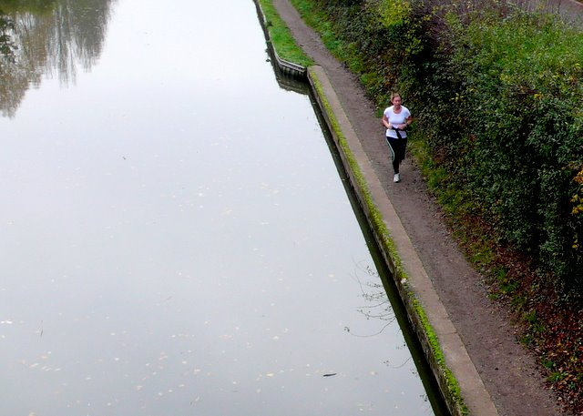 Running along the Grand Union Canal